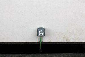 Puerto carga vehículos eléctricos